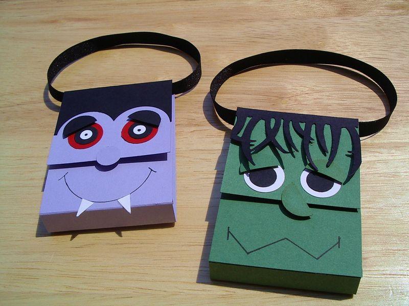 Dracula & Frank kit kat holder