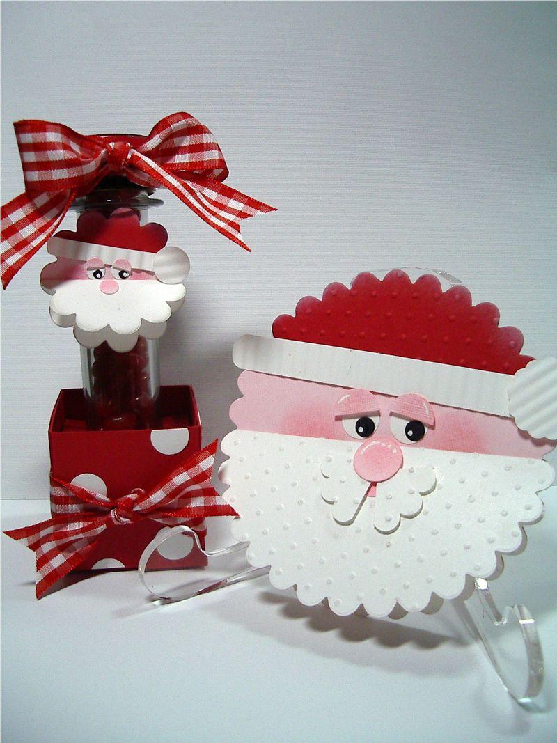 Scallop Circle Santas-2