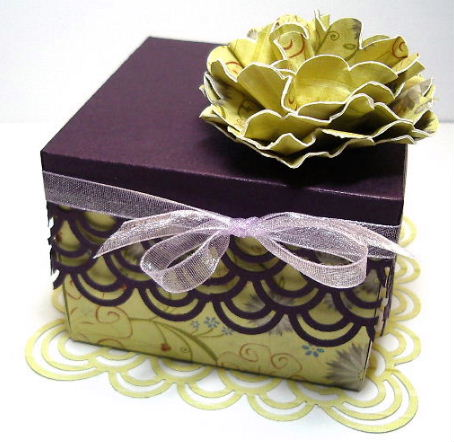 Deep Purple box lid with flower